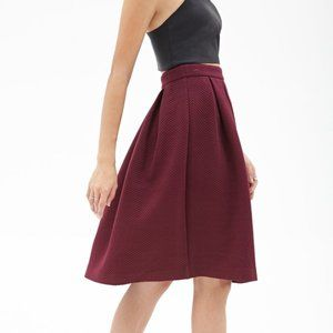 Forever 21 Long Pleated Textured Back Zip Skirt Burgundy Size Small